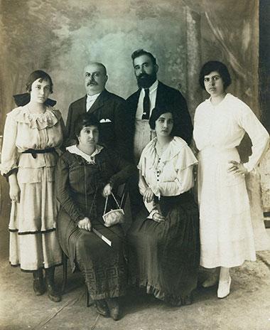 La Famiglia Schiavone Panni